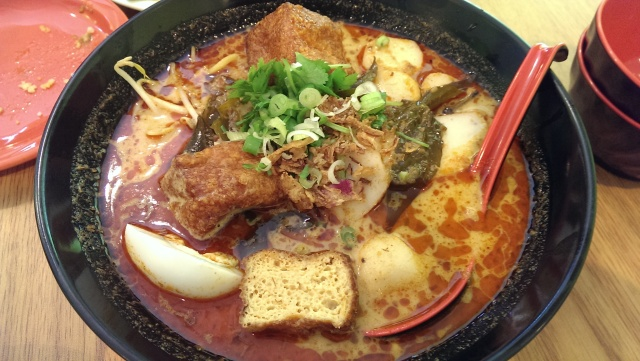 Fish ball curry laksa with yellow noodles