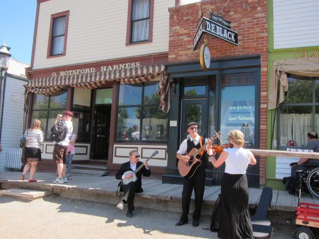 street performers at prairie town
