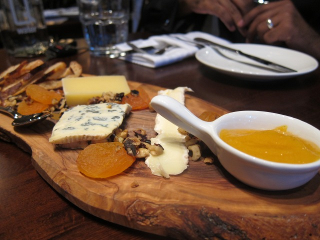 3 cheese plate
