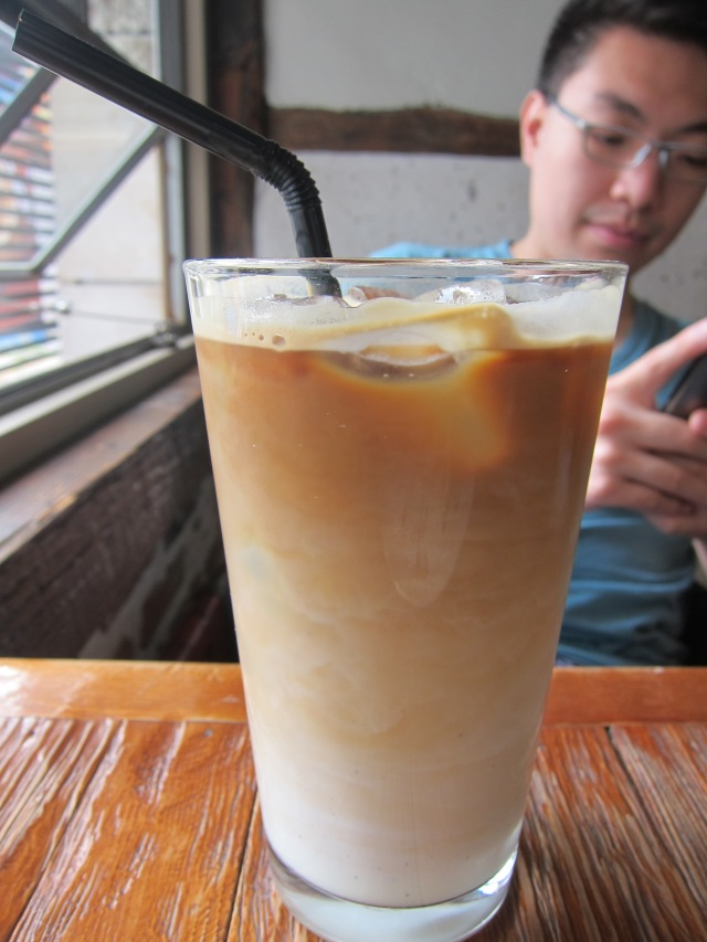 cafe latte (5000 won)